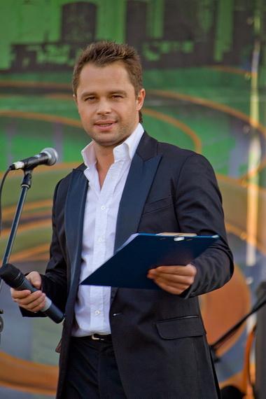 Актер сериала «Универ» собрался на Open-Air в Омск